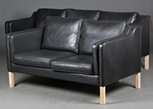 Dansk møbelproducent: Tre-pers. og to-pers. sofa (2)