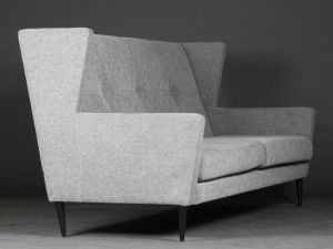 "Raun: Højrygget sofa model ""Happy"""