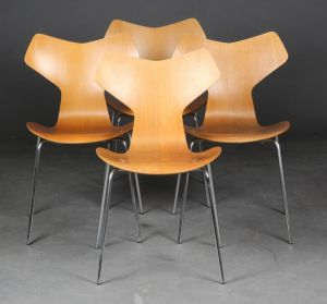 Arne Jacobsen (1902-1971): Fire 'Grand prix' stole, model 3130