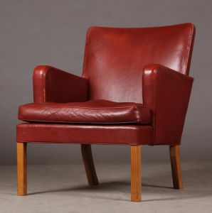 "Kaare Klint (1888-1954): Lænestol ""Easy Chair"", Model No. 5313 (1934)"