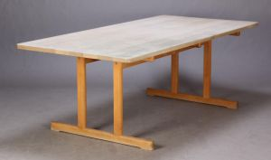 24. Shakerbord spisebord af egetræ, H. 72, L. 185, B. 85